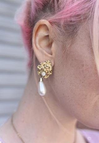 1980's Pearl Crest Drop Clip On Earrings from Bohemianrose vintage
