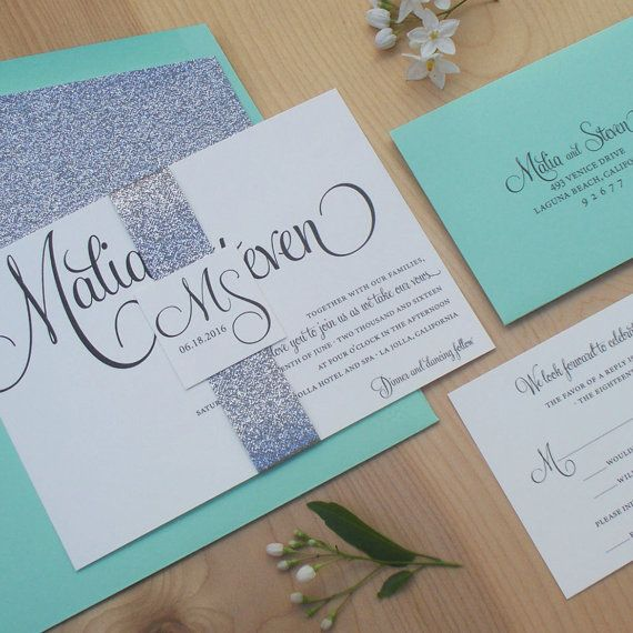I can't get enough of this silver glitter wedding invitation by Jen Simpson Design! #weddinginvitation