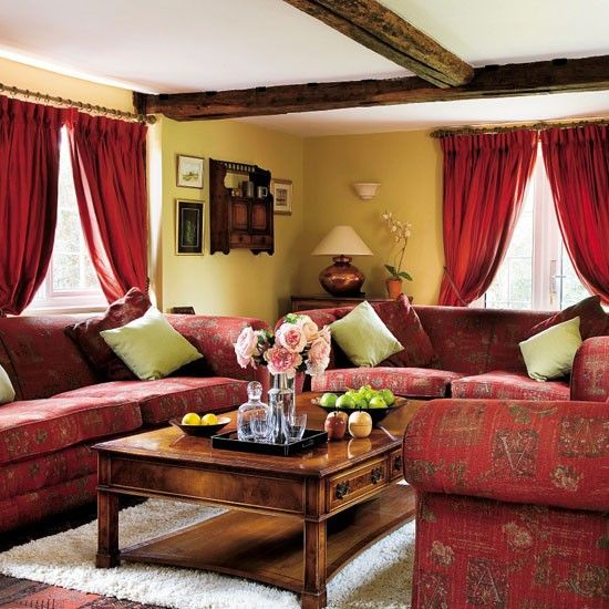 Bold accent living room | 10 cosy living room ideas | Living room ideas | PHOTO GALLERY | 25 Beautiful Homes | Housetohome