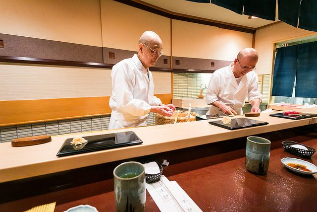 Foodies, plan your next trip to Japan and check out our top 3 favorite Michelin-starred restaurants.