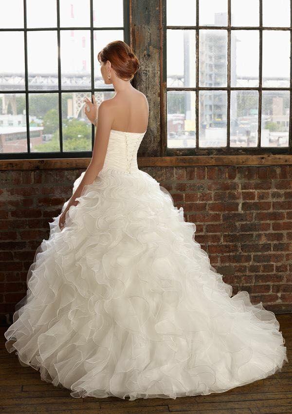 Disponible Vestido de novia marca Mori Lee Bridals, manejamos alquiler o venta según tu necesidad contacto en Bogotá 3046165688