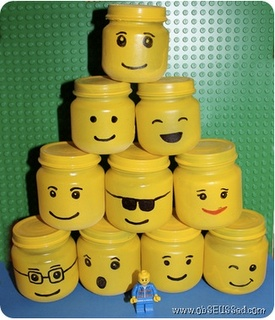 Upcycling baby food jar into cool-looking lego storage