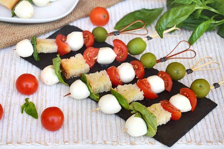 Spiedini di mozzarella, scopri la ricetta: http://www.misya.info/ricetta/spiedini-di-mozzarella.htm