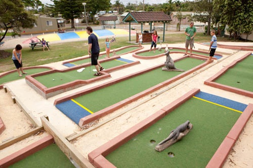 Mini golf family fun - BIG4 Harrington Holiday Park