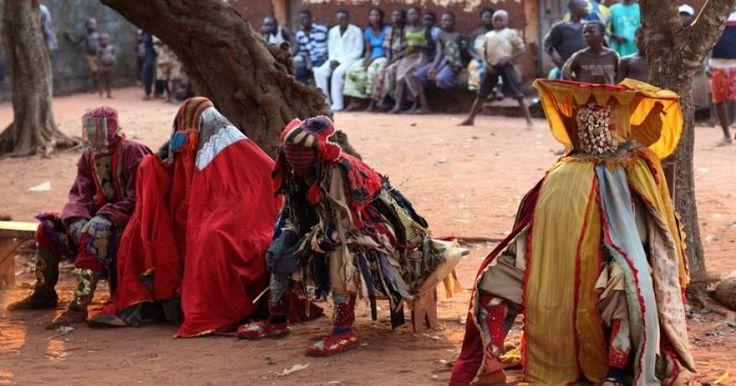 Δυτική Αφρική: Οι τρομακτικοί «ζωντανοί νεκροί» με το φονικό άγγιγμα (φωτό)