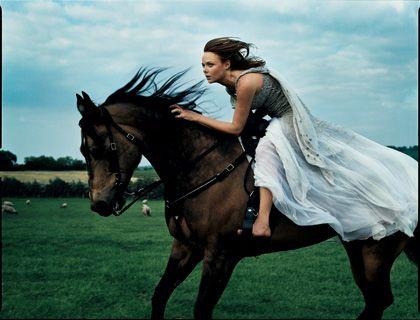 Stella McCartney.  Photographed by Annie Leibovitz for Vogue, August 2004.
