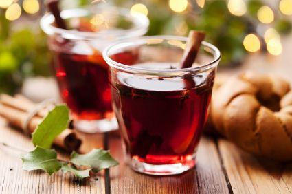 Una bebida exquisita para navidad, vino caliente con canela. Prepara esta deliciosa receta y disfruta de una navidad inigualable.