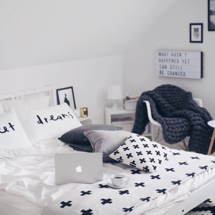 "802 Likes, 4 Comments - Uniqfind (@uniqfind) on Instagram: ""Mornings in the coziest bed! @alabasterfox with the #Uniqfind Large Reversible Cross Blanket! ✨"""