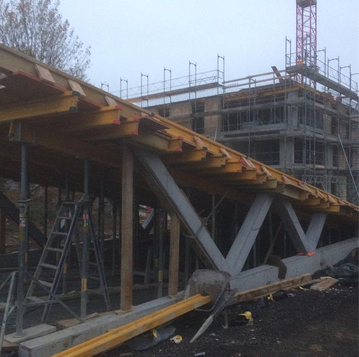 #beton #baustelle #armirung #schalung #bau #inşaat #kalıp #doka #kran #bagger #framax #trimbel #layca  #belag #bitume #concrete #ingenieur #architecture #mühendislik #mimarlık #kepçe #cekic #hammer #diesel #ramax #stahlbeton #constructionlife #constructionworker #constance