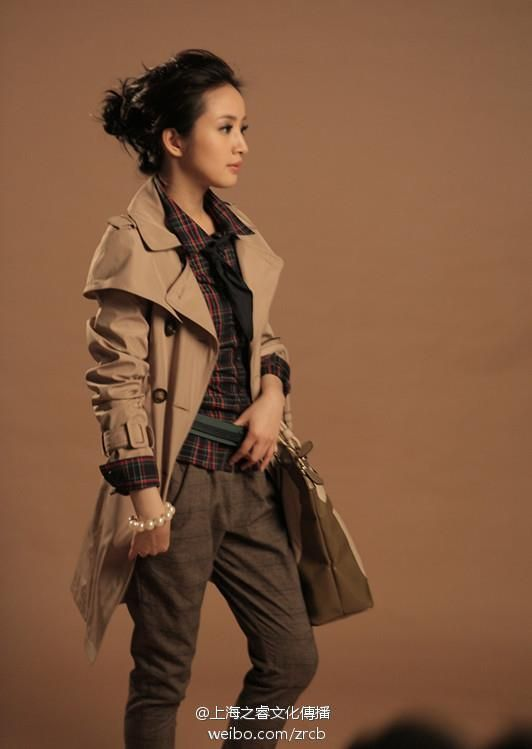 Love everything about this look!    Credit: omonatheydidnt: Kim Bum endorses Eithtoo with Taiwanese actress, Ariel Lin