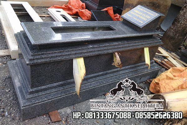 Makam Dari Granit
