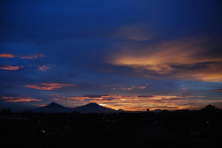 9-jun-2013  Merapi and Merbabu Mountain.
