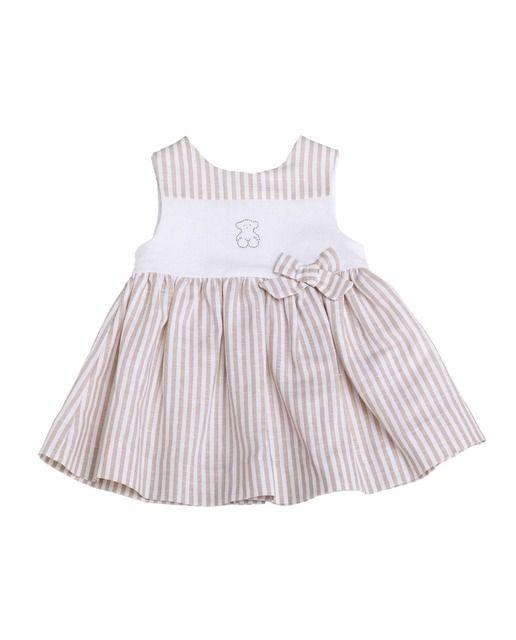 52e86bbd04 Vestido de bebé niña Tous Baby de lino rayado en beige Vestido TOUS Baby de  corte evasé en tejido de lino rayado y liso sin mangas con oso s…