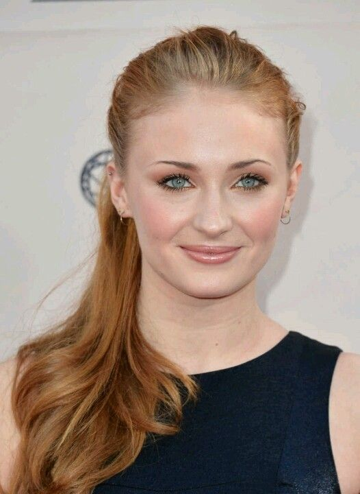 Sophie turner- Georgiana Darcy (Pride and Prejudice)
