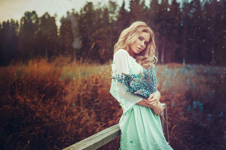 Виктория Меккер Читать далее... http://starspages.ru/viktoriya-mekker