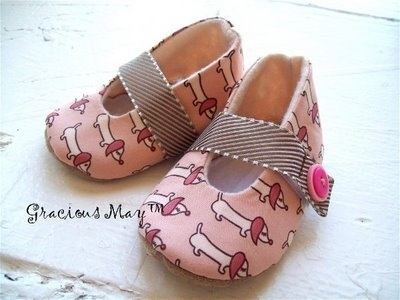 pink doxie slippers cute-doxie-items