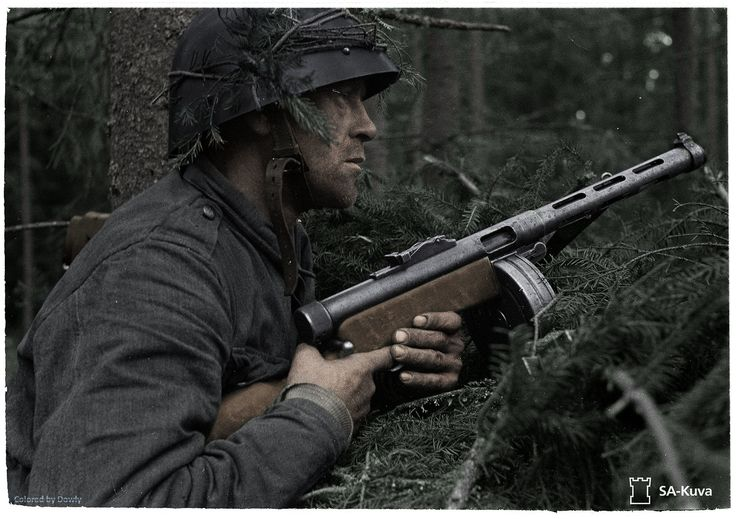 Finnish soldier in Vuosalmi Finland during the continuation war in 1944 [1862x1315]