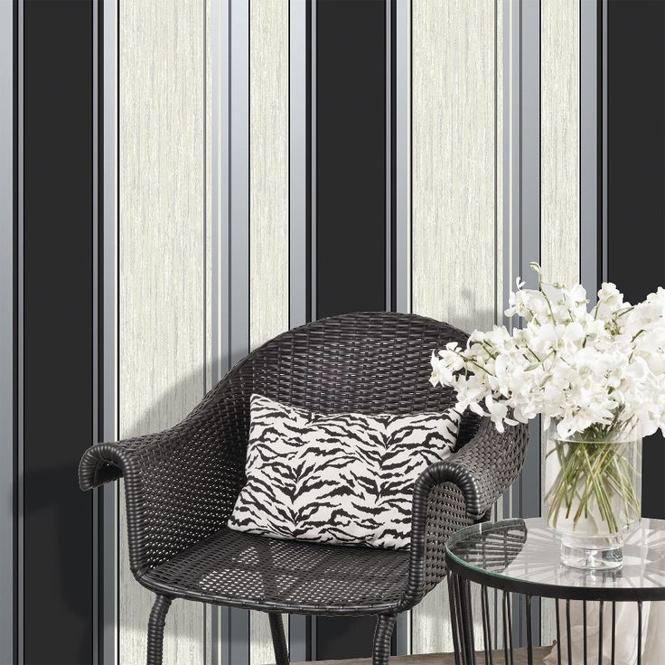 Three Ways to Add Silver Wallpaper to Your Home  - http://www.gowallpaper.co.uk/news-and-advice/three-ways-add-silver-wallpaper/