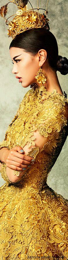 TatiTati Style      ♔ ♛    ~Tiaras & Crowns Abound ~