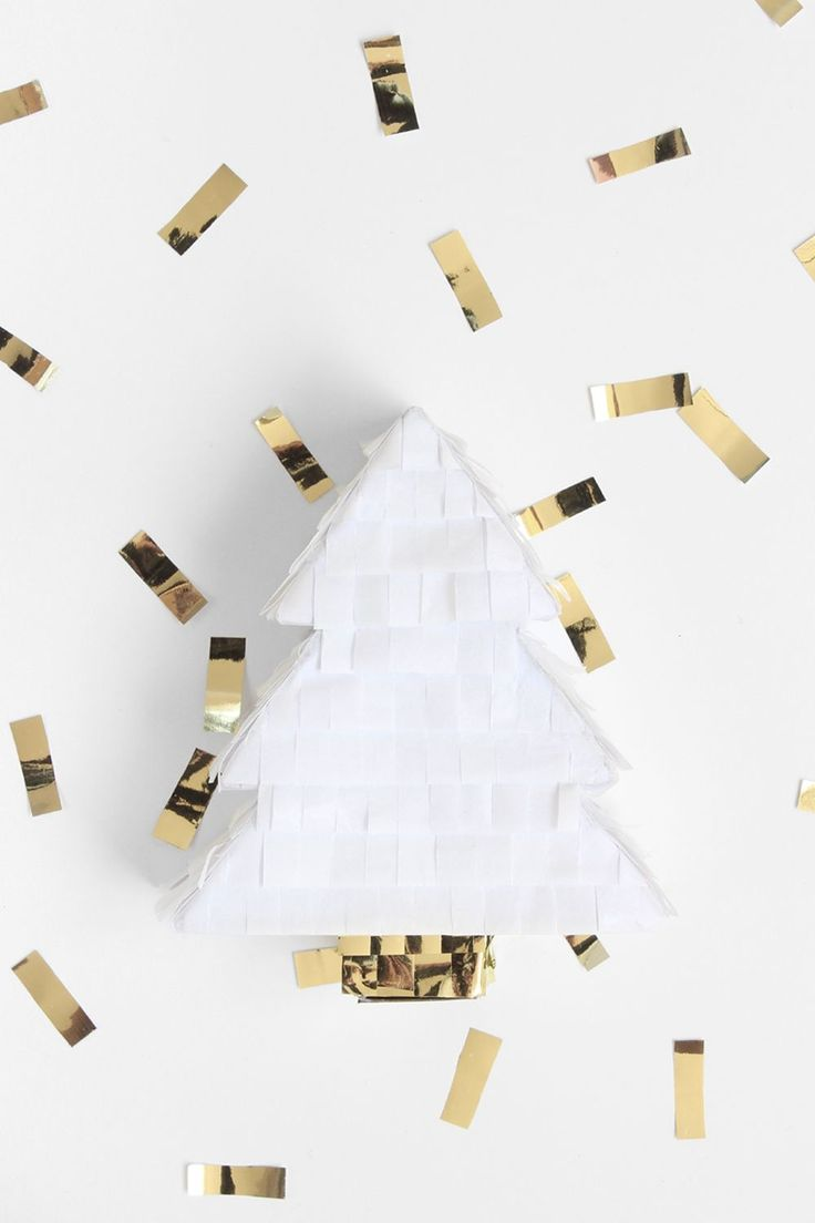 Mini DIY Christmas Tree Pinata Tutorial to decorate your Christmas tree or for your holiday party!