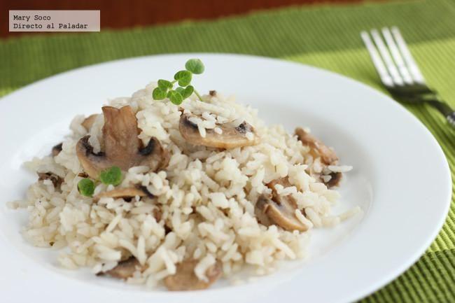 Receta de arroz con champiñones. Con fotografías paso a paso, consejos y sugerencias de degustación. Recetas de sopas y arroz
