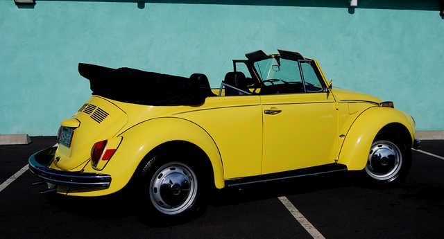 This is exactly what my '72 VW looked like. I loved it, lots of memories. I miss it so much.