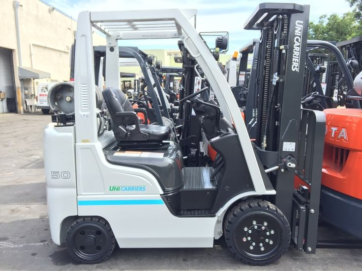 NEW 2018 Nissan UniCarriers 5,000 lb. Indoor Forklift