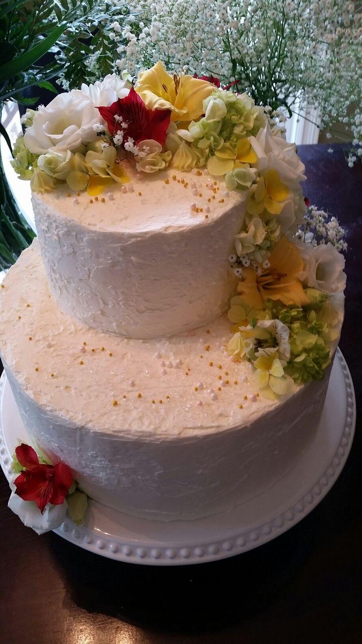 2 Tier Romantic Wedding Cake for Whitney and Matt