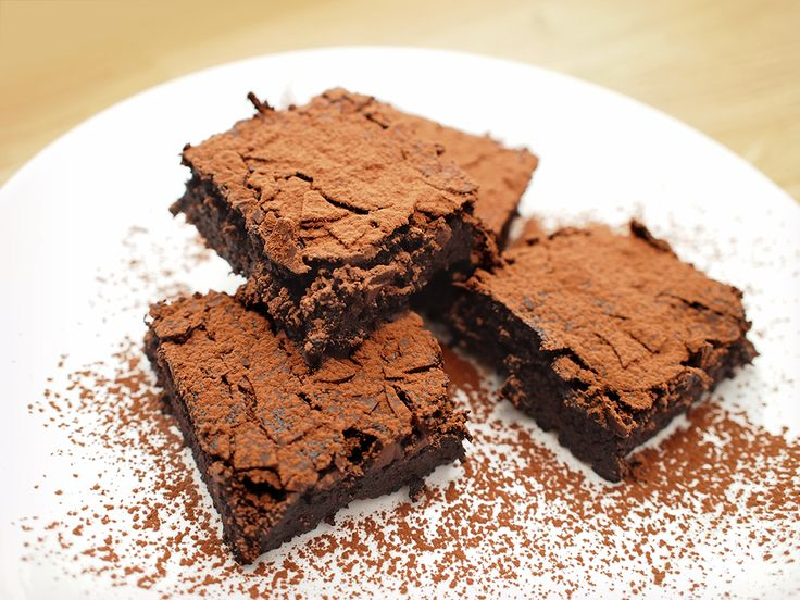 #almon #milk #lefovers #fudge #cake #vegan #glutenfree #eatmeplease
