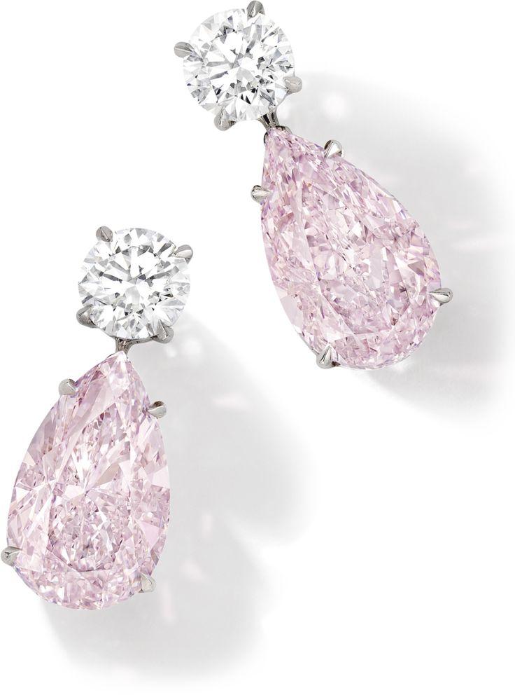 earrings ||| sotheby's hk0744lot9k7vzen