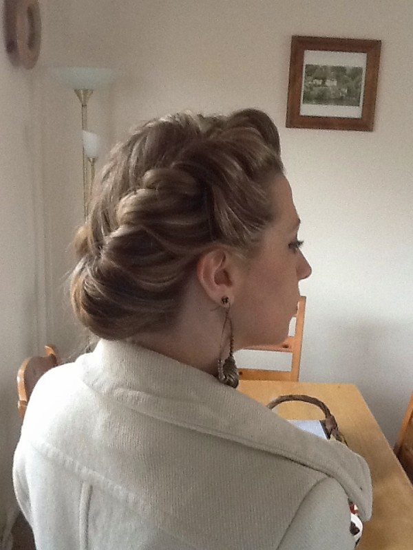 hair styles for a formal 1940s rolled style places to visit updo 5070