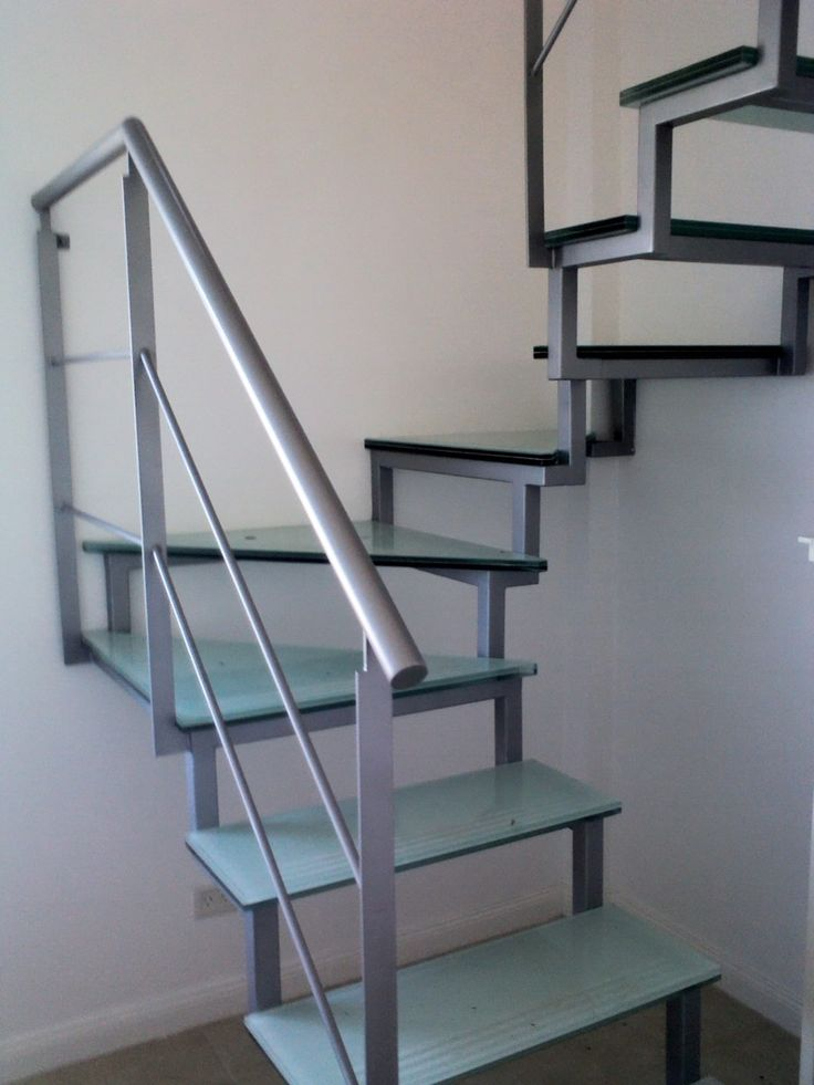 M s de 25 ideas incre bles sobre escaleras metalicas for Escalera exterior prefabricada de metal