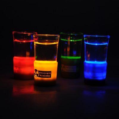 Świecące kieliszki    http://hurt.handlosfera.pl/produkt/640-swiecace-kielony.html