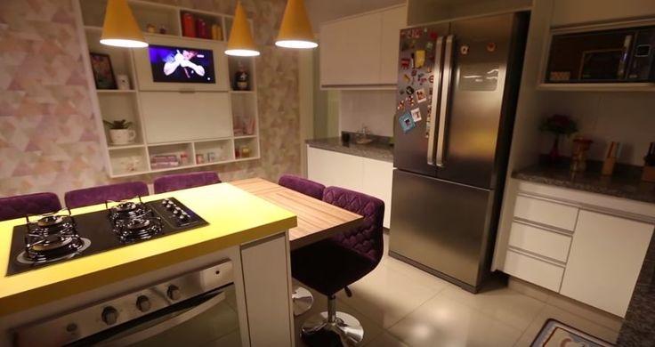 Cozinha da Taciele Alcolea. Inspiração de decoração em amarelo!