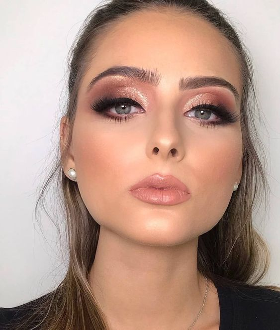 Make para noivas: dicas especialista para o grande dia | Gold makeup, Rose gold makeup, New years eve makeup