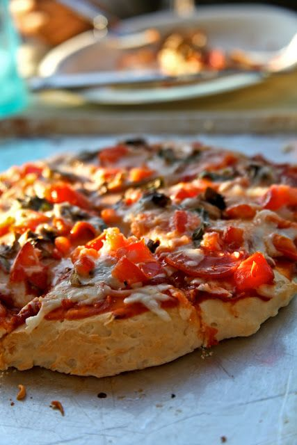 The Rancher's Daughter: Gluten Free Pizza, looks amazing!