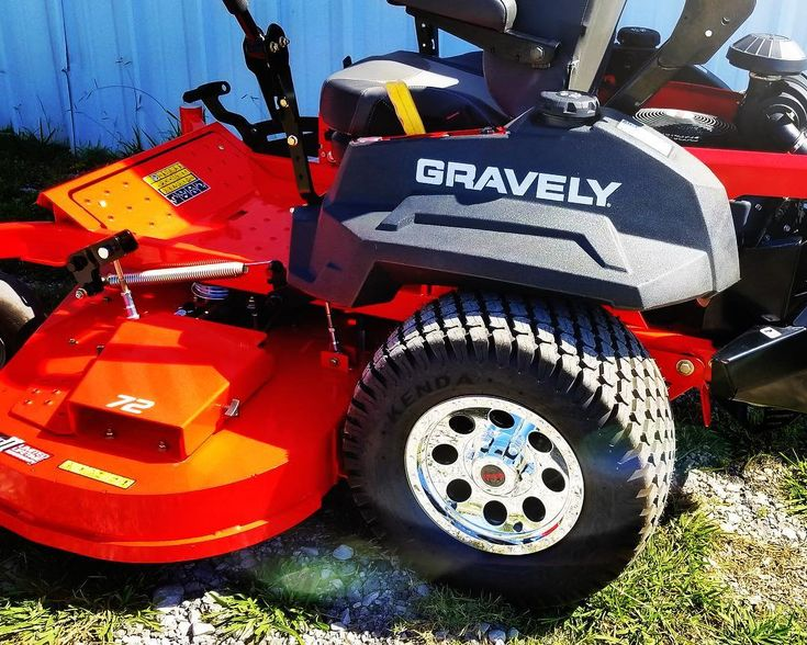 Would you put rims on your mower? We did and we put them on the best mower in the industry @gravelymowers . . . . . Follow me on Instagram for pictures of Landscape equipment and of my everyday life @Treydriver1 . . . . . Subscribe to my YouTube channel link in the bio Check out our Facebook page @BigBuckMowers . . . . . #stihl #realstihl #gravely #toro #outdoorpowerequipment #bigbuck #mowers #lawncare #bonhamtx #arienscompany #landscaping #stihlusa #equipment #zeroturn #landscape_lovers…