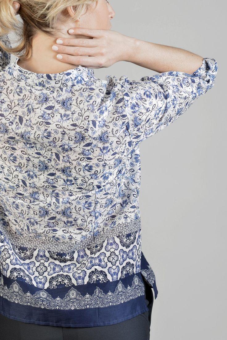 """Look """"Ethic So Chic""""  Pimik chemise m3/4  Réf :  17CH1848    Chemise droite, 100% coton, encolure V, imprimé ethnique avec base. Portez-la avec un pantalon sobre pour un look bohème.    #ANTONELLE  #ETHNICSOCHIC  #ETHNICSOCHICANTONELLE  #DRESSINGETHNICSOCHIC  #DRESSINGETHNICSOCHICANTONELLE  #womenswear #clothing#lookoftheday #instashop #blue #elegance"""