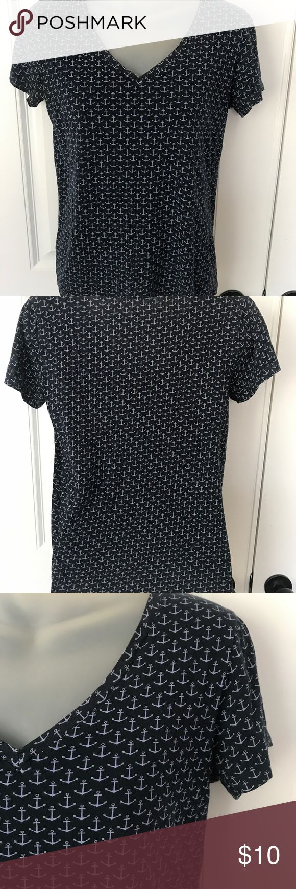 J Crew v-neck t-shirt V-neck Shirt J Crew. Size small. Preowned in good condition. Comes from smoke free and clean home. Thanks J. Crew Tops Tees - Short Sleeve
