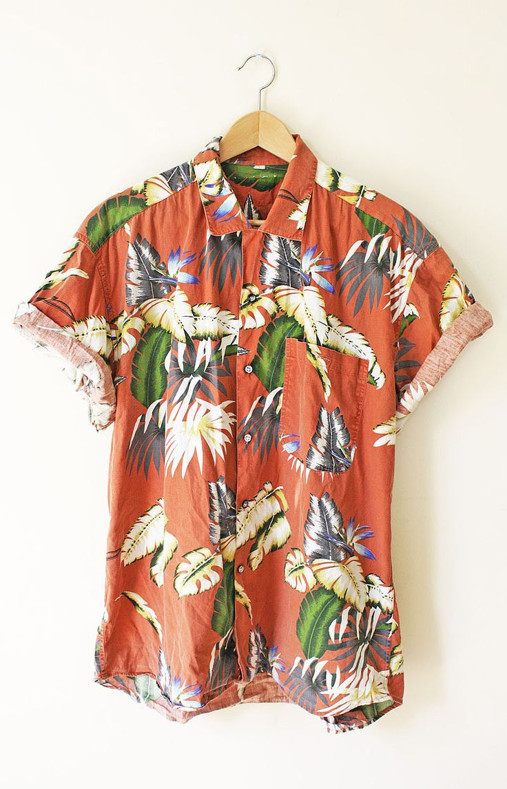 It's been a long time since I liked a Hawaiian shirt and for good reason, but this one just gets to me.