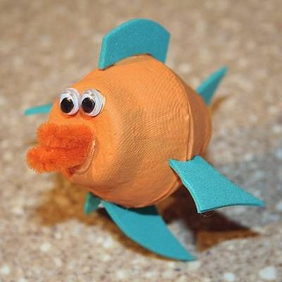 Fish made from egg cartons - I love crafts made from easy to find, recycled materials!  Seaquest VBS ideas