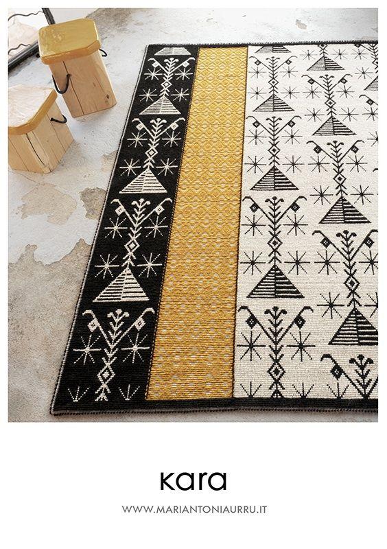 """Tappeto FIUME realizzato a mano con le tecniche """"Pibiones"""" e """"Litzos"""". Materiali: 80% lana, 20% cotone."""
