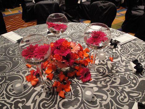 daisy centerpiece: Reception, Gerber Daisies, Color Flower, Events, Gerber Daisy, Bridal Shower, Daisy Centerpieces, Centerpiece Donna