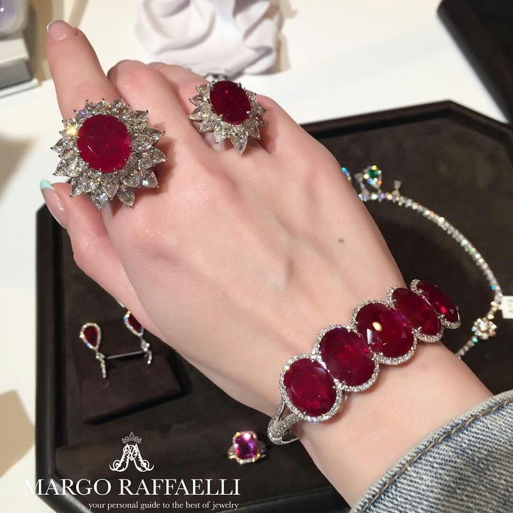 Passion for red at @baycojewels. Just in love with The Grand Mogok 15 cts Burma ruby ring! In the bracelet there are 10 Mozambican stones ❤️ Credit: www.margoraffaelli.com