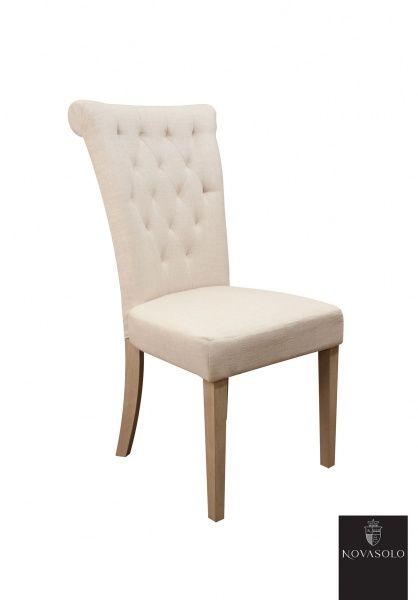 Pen og delikat Villa spisestol med høy rygg. Stolen er med sin høye rygg tilpasset nordiske forhold og gir god støtte og sittekomfort for liten som for stor.Mål: