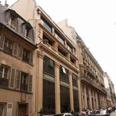 13 rue du Montparnasse, 75006 Paris : siège historique des Editions Fayard .
