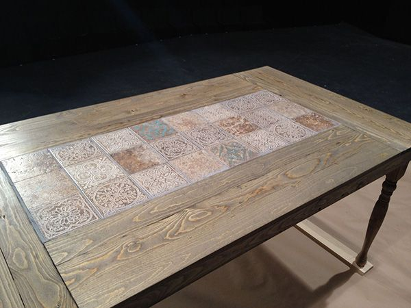 DIY Tiled Dining Table - Want to find some tiles like this to re-tile the coffee table and end table. ~ Sheila