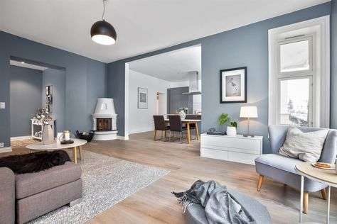 I denne flotte leiligheten på Frogner ligger treparketten Skovin Elegant i god harmoni med et moderne og tidsriktig interiør. Les mer på hjemmesiden vår!