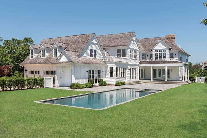 8 Bedrooms Bedrooms With 9 2 Bathrooms Bathrooms Residential 20 Downs Path In 20 Downs Path Southampton New Southampton New York Mansions For Sale Sale House