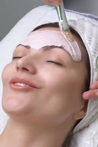 Containing volcanic ash clay (sometimes called 'living clay' due to its rich natural mineral content), this state of the art skin clarification mask has an intense drawing affect on toxins in the skin. www.nubella.com.au